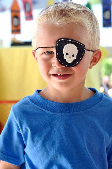 Parche de fieltro para disfraz de pirata. Disfraces caseros para niños
