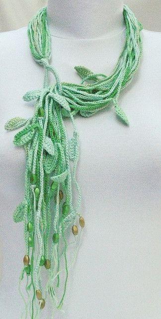 Crochet cotton necklace - green tones