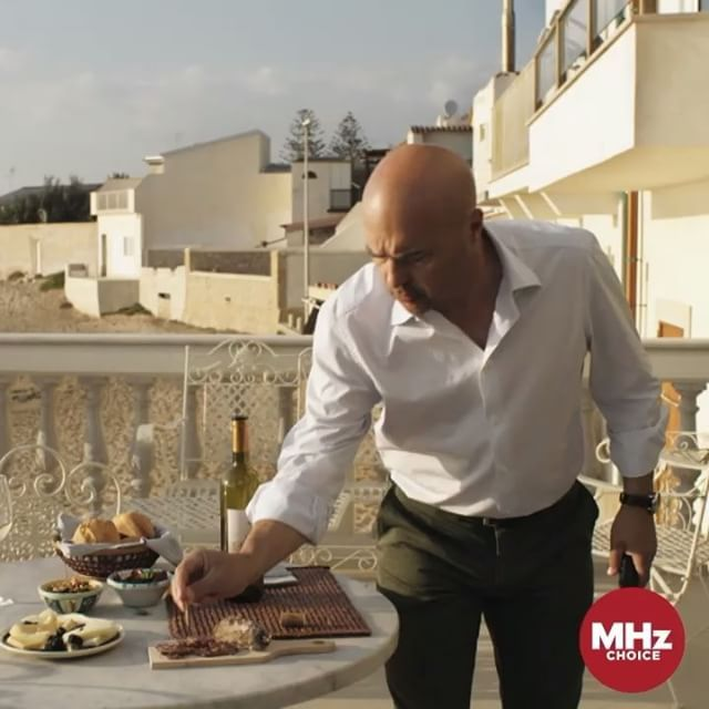 That moment when you realize ... NEW DETECTIVE #MONTALBANO episodes premiere tomorrow!! #LucaZingaretti #Zingaretti Learn more: mhzchoice.com/online