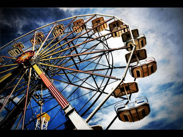 The High Roller ride is expected to become a Vegas icon. Description from inquisitr.com. I searched for this on bing.com/images