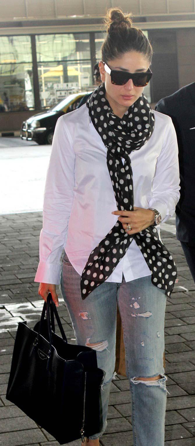 Kareena Kapoor at the Mumbai airport. #Bollywood #Fashion #Style #Beauty #Hot #Sexy