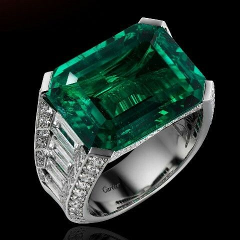 196333479 Cartier Exceptional Stone ...Emerald From Colombia... #cartier #cartierparis