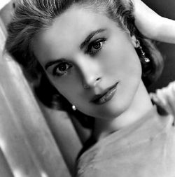 Grace Kelly - who became Princess Grace of Monaco - was always considered a style icon. And that very look is still beautiful today. What's more,...