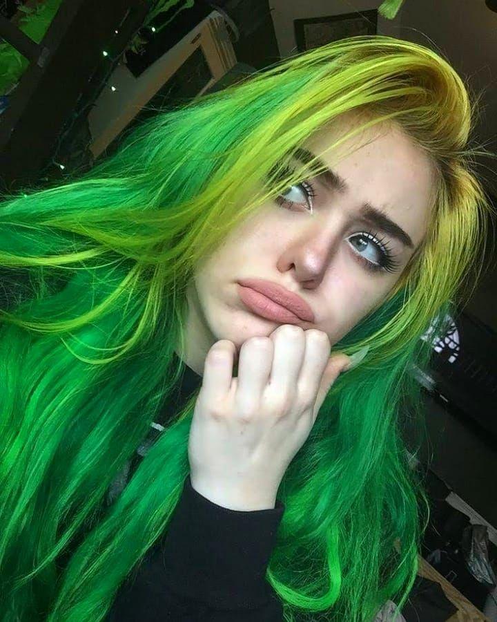 20 Hair Color Ideas Hairstyles Hairstyles Beauty Hair Girl Crazy Haircolor Green Hair Green Hair Colors Aesthetic Hair