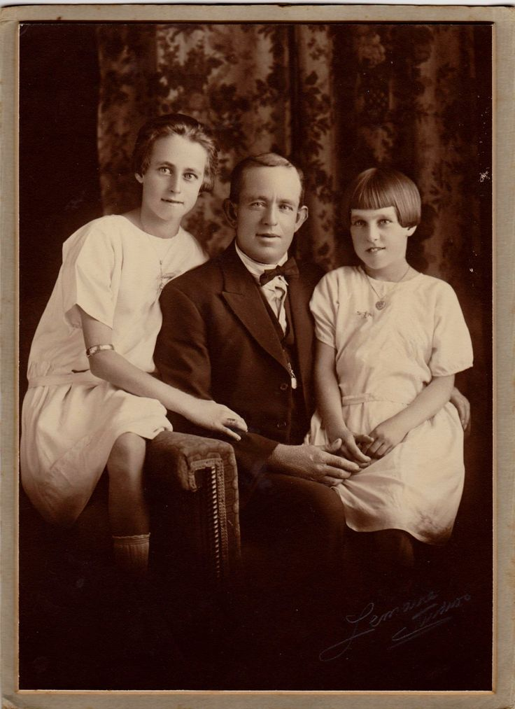 March 1926. Frank Larsen with daughters, Alma 13 & Muriel 11.