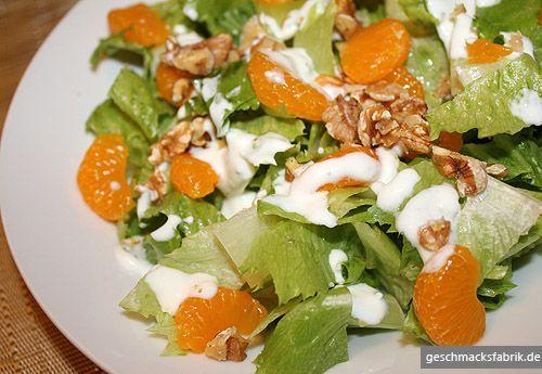 SALARICO MIT MANDARINEN UND WALNÜSSEN -  Zutaten für 2 Personen:  1 SalaRico,  150g Naturjoghurt,  1 Dose Mandarinen,  1 Handvoll gehackte Walnüsse,  3 EL Apfelessig,  3 EL Sonnenblumenöl,  2 EL getrocknete Salatkräuter,  Salz und Pfeffer.  Hier geht's zur Zubereitung: http://behr-ag.com/de/unsere-rezepte/rezeptdetail/recipe/salarico-mit-mandari.html