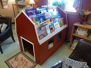 Love this idea for a reading center....the book barn!  [sooo cute!  would love to have a parent who could build this!  lol]