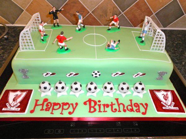 SAM_0504 football pitch cake 1