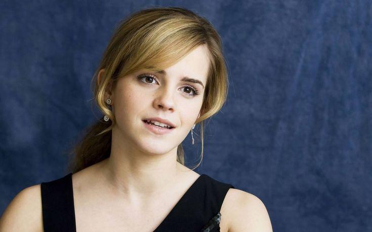 Emma-Watson-With-Blonde-Side-Bangs-Hairstyle.jpg (1920×1200)