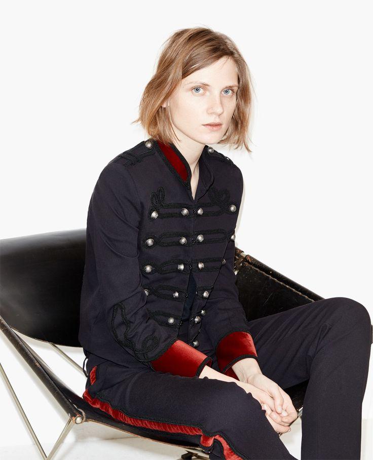 17 meilleures id es propos de veste officier femme sur. Black Bedroom Furniture Sets. Home Design Ideas