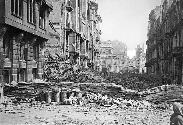The damage in Warsaw was so massive it took many years to rebuild. - Huge Collection Of The Warsaw Uprising Photos 18  Page 3 of 3  Best of Web Shrine