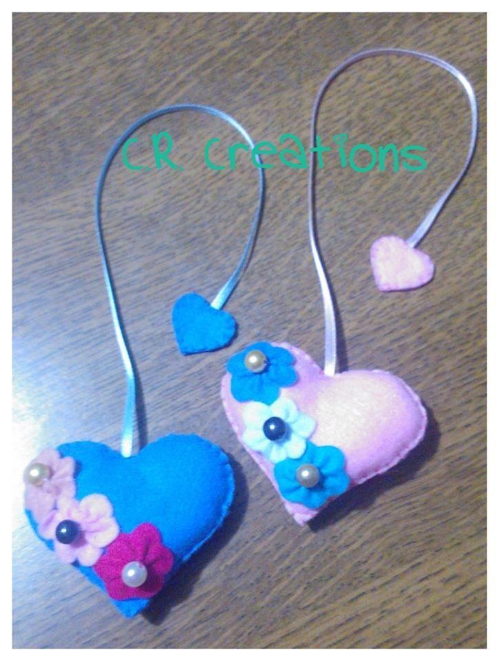 segnalibro in pannolenci a forma di cuore #segnalibro #bookmark #handmade #felt #cuori #hearts
