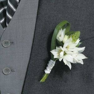 FiftyFlowers.com - Star of Bethlehem Boutonniere and Corsage Wedding Package