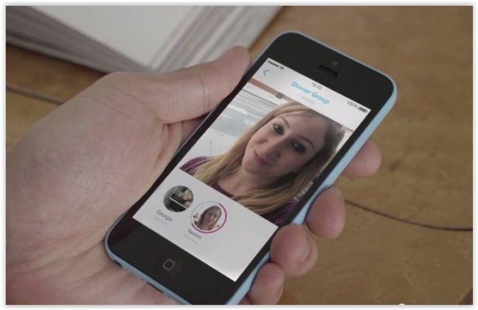 Skype Qik es el nombre de la nueva aplicación lanzada por Skype con la que competirá en la mensajería efímera. Se trata de una aplicación con la que comunicarse mediante vídeos cortos en vez de texto. Totalmente independiente de Skype, permite grabar y enviar vídeos de hasta 42 segundos a un contacto o a un grupo de estos.