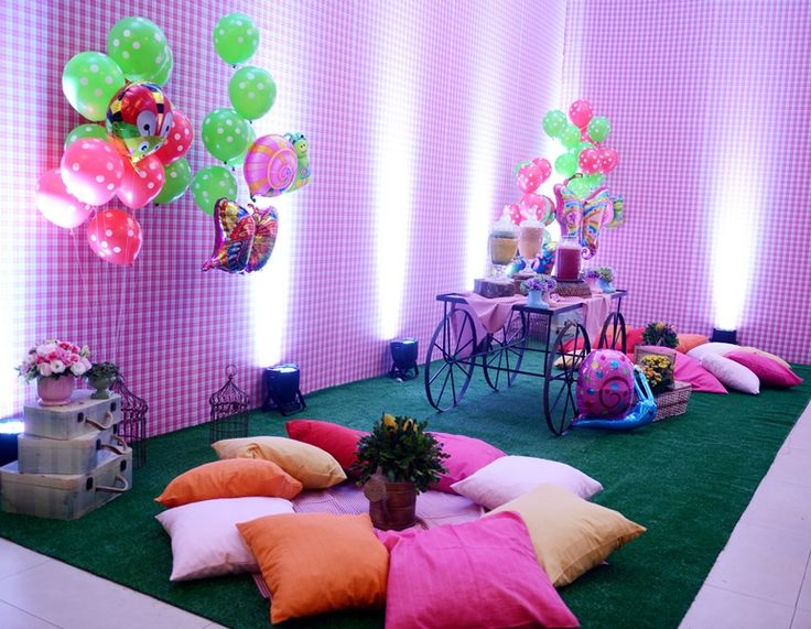 Lounge decorado no tema piquenique