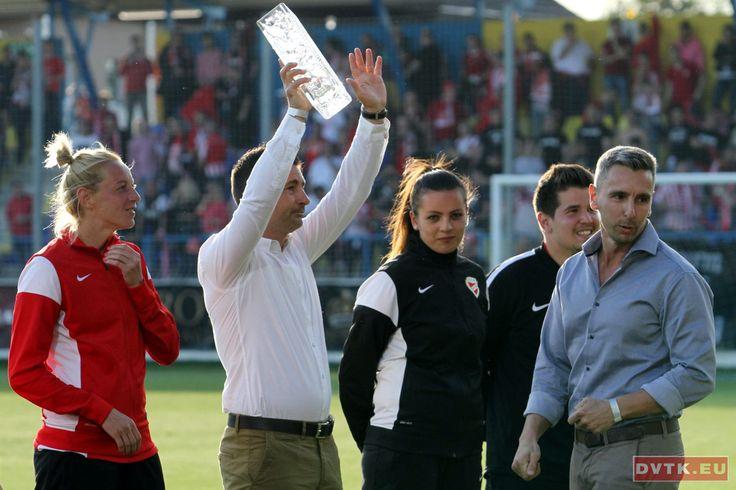 Köszöntötték a DVTK női bajnokcsapatának labdarúgóit