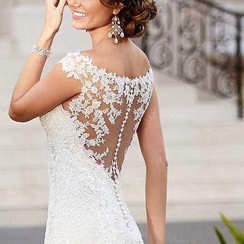 """Super mega #sexy dress. Lovely #lace back😍💖✨ #trend #fashion #fashionphotography #wedding #weddingplanner #weddingseason #weddings #flowers #florals #happilyeverafter  #miami #atlanta #nyc #la #destinationwedding #stylist #decor #designer #italianwedding #interiordesigner #diamonds #diamond #italiansdoitbetter #engagementring #weddingring #diamondring"" by @the_queen_of_ceremonies. #свадьба #невеста #prewedding #casamento #marriage #noiva #bridalstyle #weddingfashion #weddingdream…"