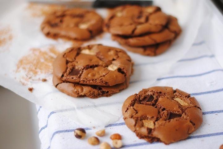 Печенье Три шоколада - пошаговый рецепт с фото: Хочу поделиться рецептом не только вкусного, но и очень красивого хрустящего печенья с фундуком и тремя видами шоколада... - Леди Mail.Ru