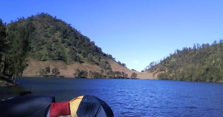 Wallpaper Pemandangan Gunung Semeru Ranu Kumbolo Surga Tersembunyi Di Kaki Mahameru Wisata Gunung Semeru Tanjakan Cinta Tempat Di 2020 Pemandangan Danau Toba Danau