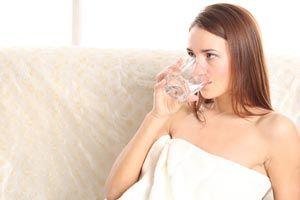 Cómo beber 2 litros de agua al día
