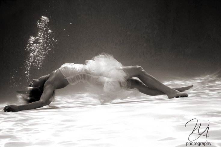 Beautiful: modeling a couture dress #Underwater & making it look floaty and free. #water