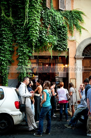 'Ai Tre Scalini' popular bar in the Rione Monti region of Rome, Italy - Vorig weekend heerlijk geluncht! One of my favorites in Rome!