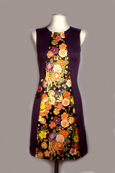 Simply 3 Collection - Purple Cranes Evase Dress von Lia-San`s Atelier auf DaWanda.com