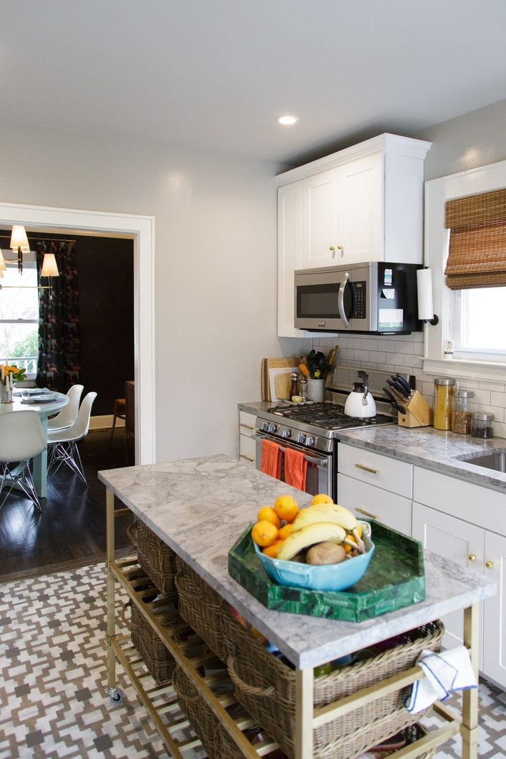 Jessica & Scott's East Coast Nest - Kitchen with island
