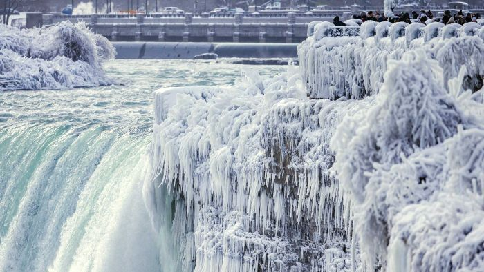 US weather: Record-shattering cold reaches as far south as Florida; parts of Niagara Falls freeze over - ABC Online