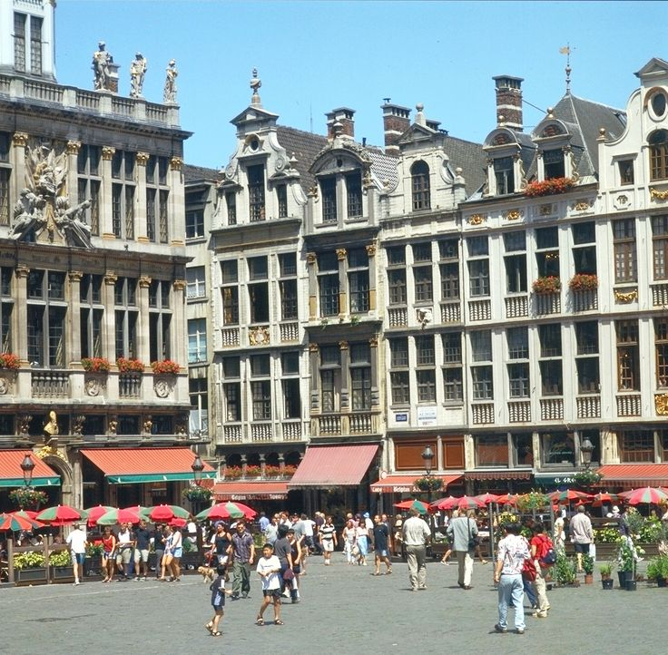 Visit Belgium Comic Strip Walk in Brussels