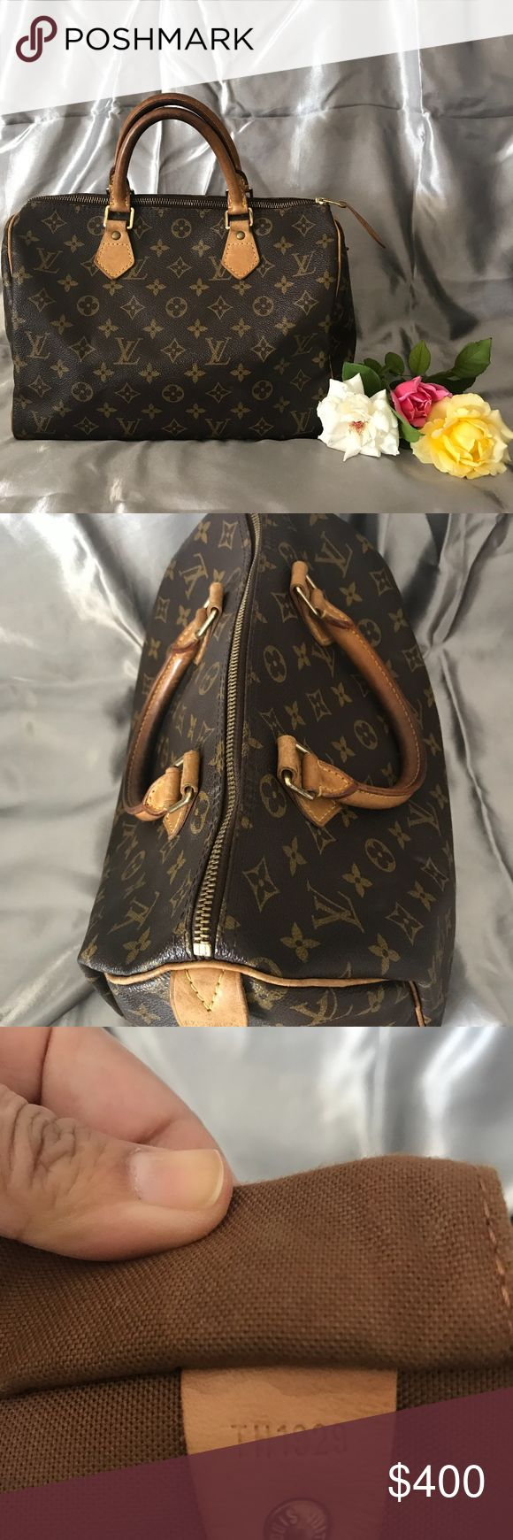 Pre owned Louis Vuitton Monogram Speedy 30 A really good condition speedy 30 with lock and key. theres a mark on the inside. Louis Vuitton Bags Hobos