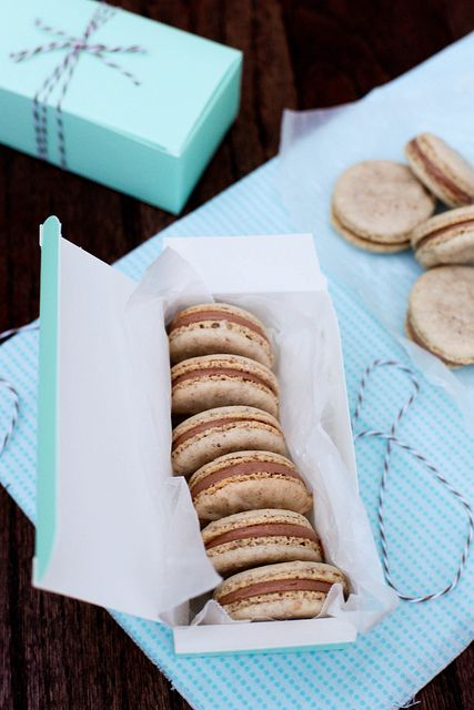 hazelnut macaronsHoliday Gift, Nutella Filling, Macaroons Nutella Recipe, Gift Ideas, Food, Annie'S Eating, Christmas Eating, Hazelnut Macarons, Nutella Macarons