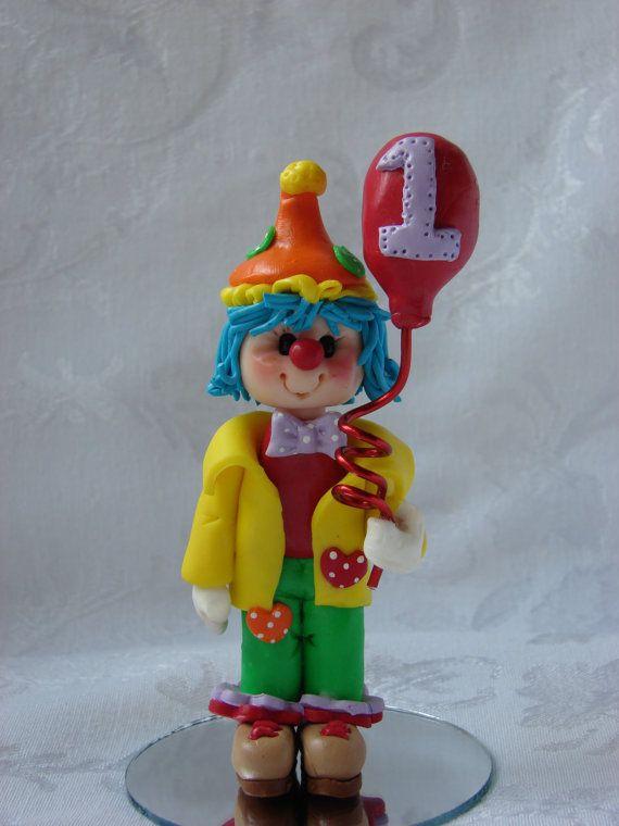 Eerste verjaardag Clown met ballon taart Topper, Childrens Polymer Clay Ornament, beeldje. Handgemaakte kunst-beeldhouwkunst