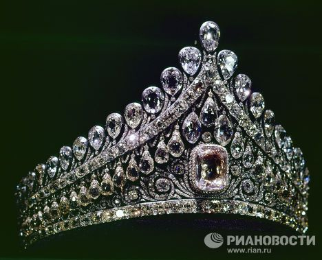 A portion of the Russian royal jewelry, including the diamond diadem of Elizabeth Alexeyevna, the wife of Emperor Alexander I, is currently stored at the Diamond Fund of the Moscow Kremlin.