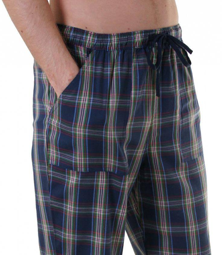 Bequem & stylish - mit den brandneuen Pyjamahosen von DEAL kein Widerspruch.  Die behagliche Baumwolle und der lässige Schnitt mit langem Bein und aufgenähten Taschen lassen diese Pyjamahose zum Wohlfühl-Erlebnis werden. Für weitere Infos: http://www.boxxers.de/DEAL-Homie-Karos-blau-gruen-rot