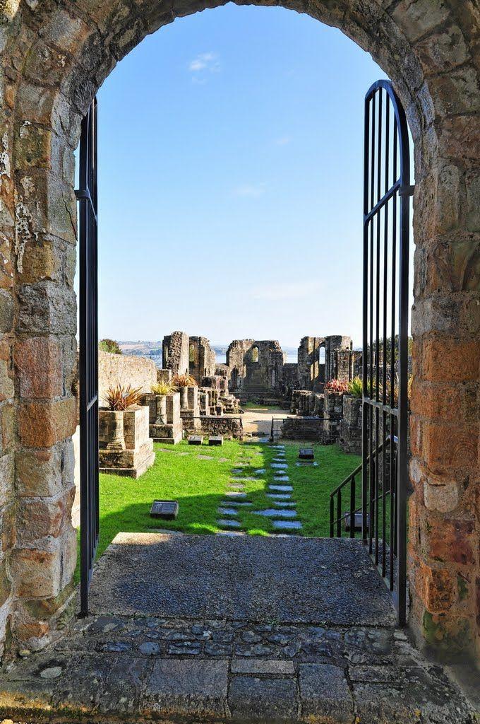 Ruins - Landévennec Abbey -Benedictine Monastery -  Landévennec - Brittany - France