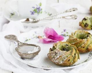 Muffins légers au thé vert matcha et pépites de chocolat sans matières grasses