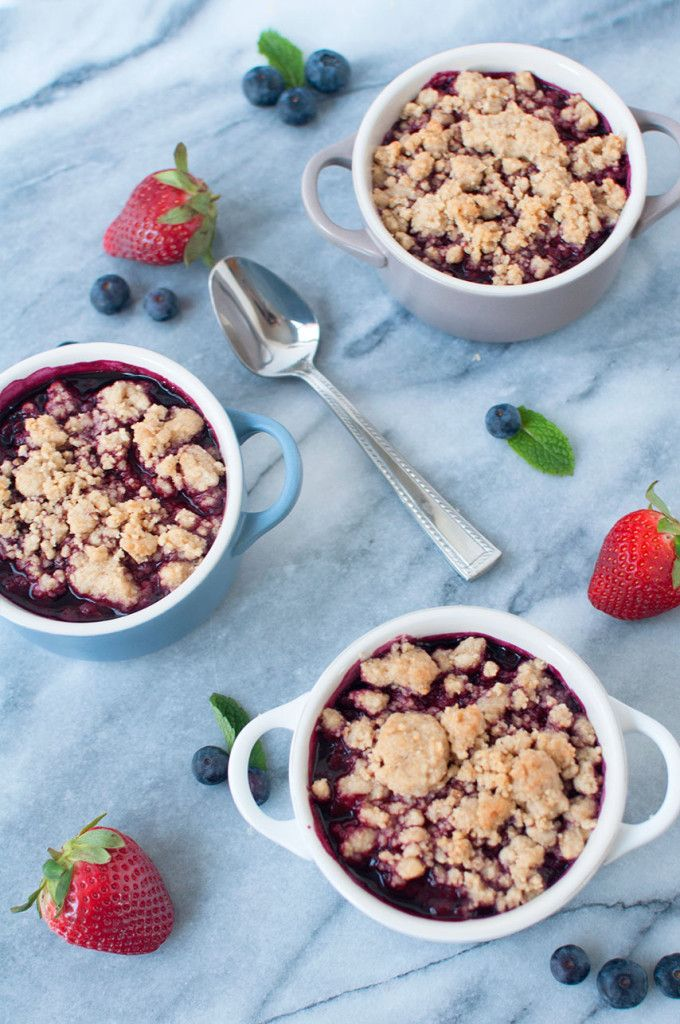 Mixed Berry Crumble in Le Creuset Mini Cocottes | Pretty in Pistachio