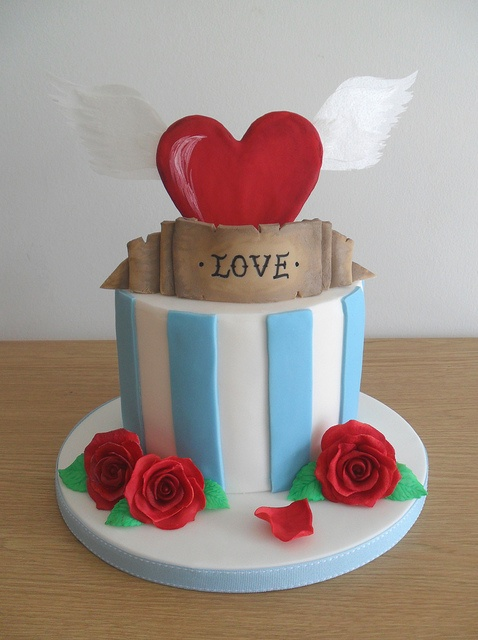 We love this Valentines day cake!  www.facebook.com/thestoreatbelhaven