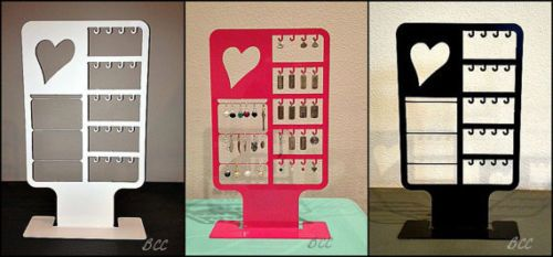 Jewlery-Displays-Origami-Owl-Love-Letter-locket-display