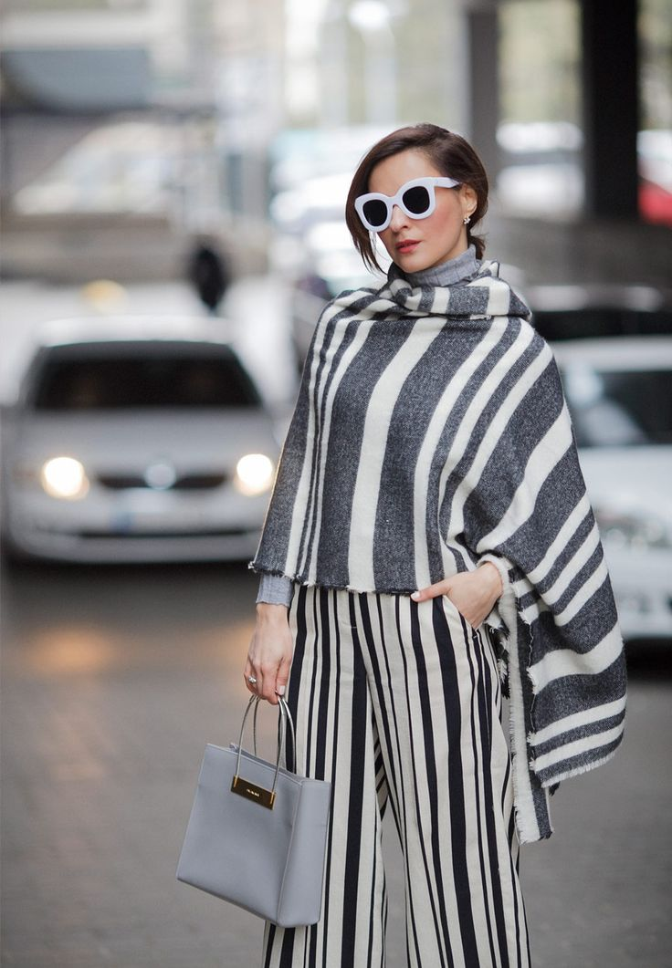 mixing prints outfits, how to mix stripes,