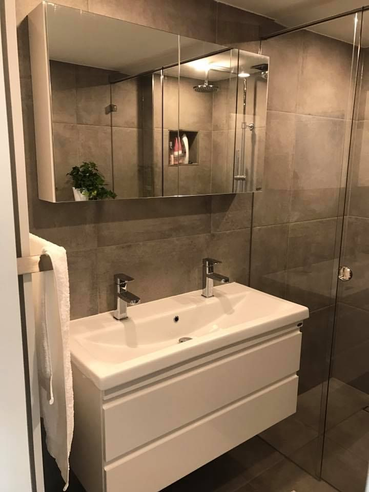 25 beste idee n over badkamer lades op pinterest badkamer lade organisatie zilverwerk opslag - Badkamer organisatie ...