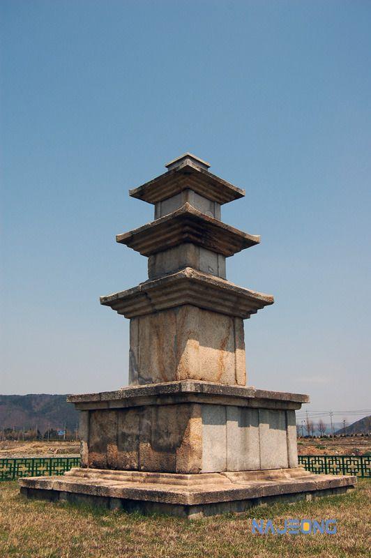 나정문화사 :: 미탄사지 3층석탑