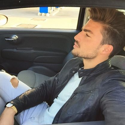 https://www.facebook.com/MARIANODIVAIO.FANPAGE?fref=nf