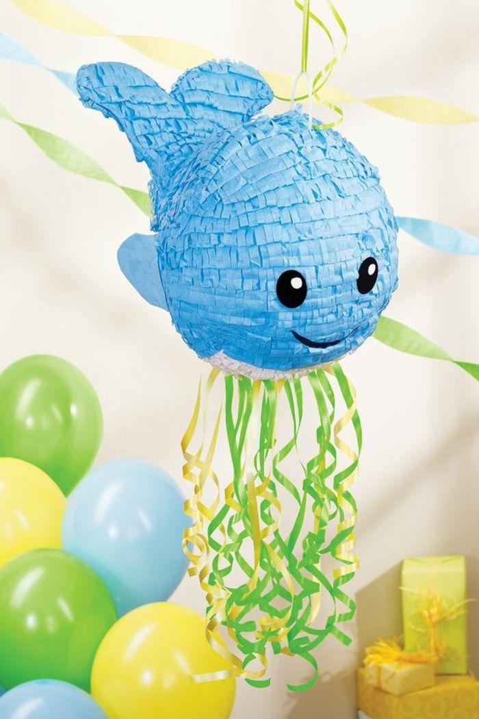 pinata basteln blauer fisch, schleifen, luftballons, geschenke