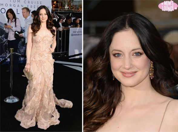 Andrea Riseborough positively glowed on the red carpet at the premiere of her new film Oblivion on Wednesday (April 10) at the Dolby Theatre in Hollywood. #celebrities