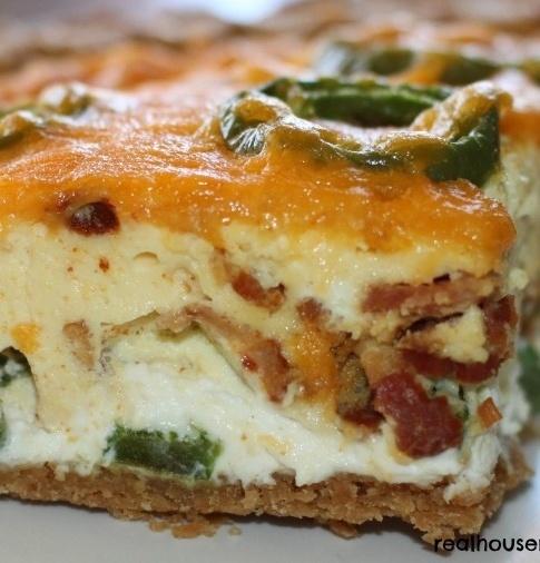 Bacon Jalapeno Popper Quiche/  http://www.realhousemoms.com/bacon-jalapeno-popper-quiche/