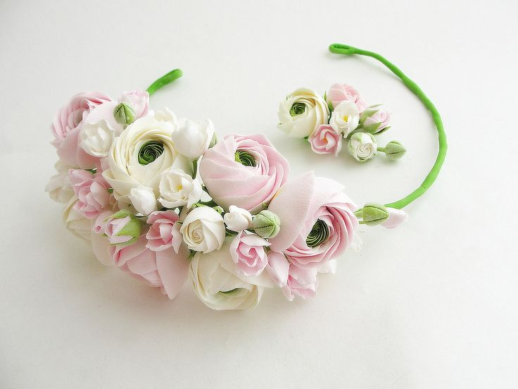 Spring flowers. Flowers headband. Handmade. All flowers are made completely by hand from Claycraft by deco - air dry clay that is soft, durable and lightweight, non toxic. Keep it up from water or liquids. The flowers requires careful handling.