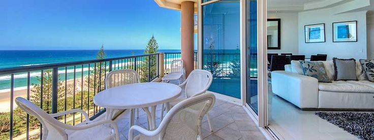 Located at the beachfront on the #GoldCoast, the luxurious Oceana On Broadbeach apartments have spacious balconies with panoramic views of the ocean. Sounds like a great #getaway #hotel to visit in #Australia! So beautiful!