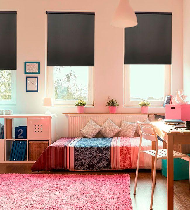 ESTOR OPACO La mejor opción para las zonas de descanso como el dormitorio son los estores opacos que impiden completamente el paso de la luz para asegurar nuestras horas de sueño en cualquier circunstancia.